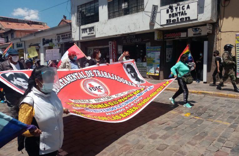 Trabajadores cusqueños protestan por política laboral del gobierno de Vizcarra